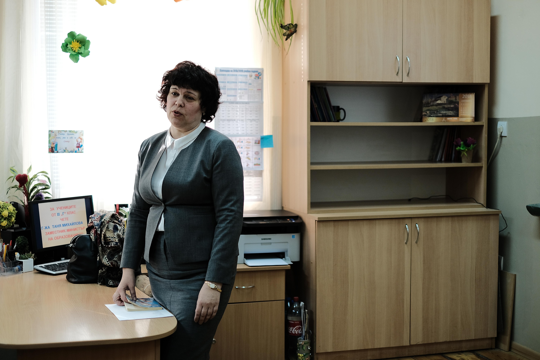 Зам.министър на образованието Таня Михайлова при ученици от 2 - Г клас