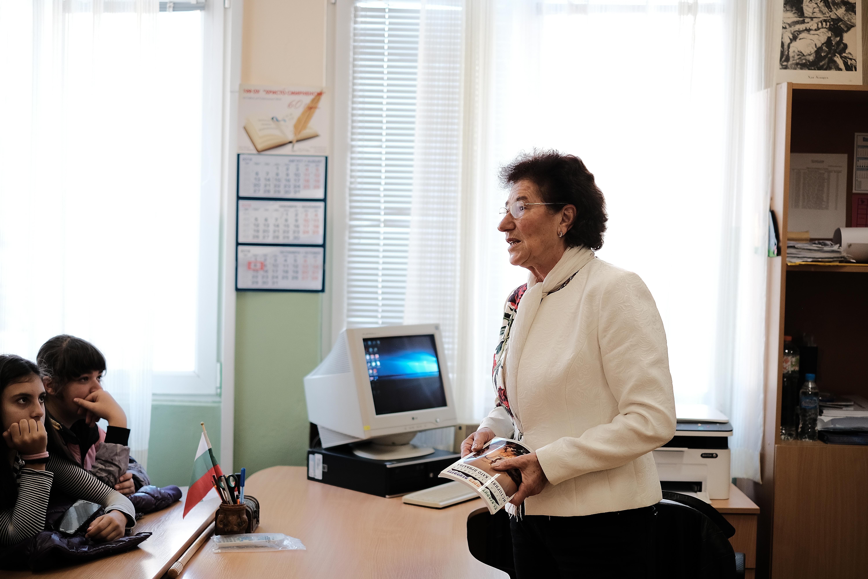 Йорданка Благоева - зам.председател на БОК при учениците от 6 - А клас