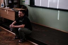 Актьорът Никола Мутафов при ученици от 5 - В клас