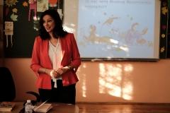 Журналистката Милена Милотинова при учениците от 3 - В клас